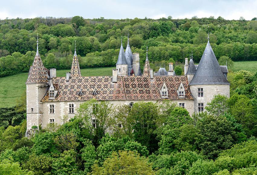 Rear view of the Château de La Rochepot from Route D33.