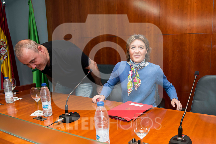 """Carlos Rodriguez and Minister for Agriculture and Fisheries, Food and Environment, Isabel García Tejerina during the presentation of the book """"Llevame contigo"""" of Carlos Rodriguez in Madrid, Spain. March 15, 2017. (ALTERPHOTOS/BorjaB.Hojas)"""