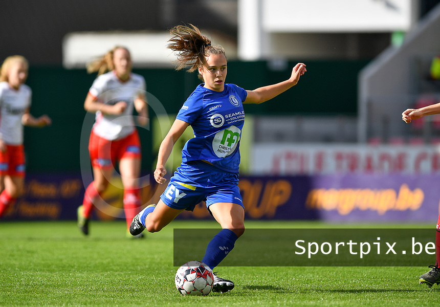 Gent's Jasmien Mathys pictured during a female soccer game between Zulte Waregem and the KAA Gent Ladies on the fourth matchday of the 2020 - 2021 season of Belgian Scooore Womens Super League , saturday 10 October 2020  in Waregem , Belgium . PHOTO SPORTPIX.BE | SPP | DAVID CATRY