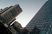 Milano, palazzi lungo via Melchiorre Gioia. Sulla destra, la Torre Galfa --- Milan, buildings along Melchiorre Gioia street. On the right, the Galfa Tower