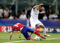 Calcio, finale di Champions League: Real Madrid vs Atletico Madrid. Stadio San Siro, Milano, 28 maggio 2016.<br /> Atletico Madrid Gabi, left, and Real Madrid's Dani Carvajal fight for the ball during the Champions League final match between Real Madrid and Atletico Madrid, at Milan's San Siro stadium, 28 May 2016.<br /> UPDATE IMAGES PRESS/Isabella Bonotto