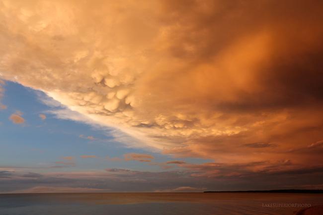 mammatus clouds  Lake Superior