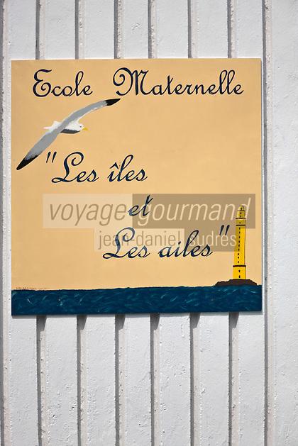 Europe/France/Normandie/Basse-Normandie/50/Manche/Presqu'île de la Hague/Urville-Nacqueville: Enseigne de l'école