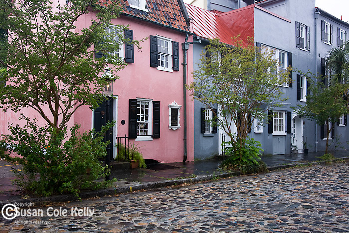 The Pink House, an 18th-century tavern on cobblestone Chalmers St in downtown Charleston, SC, a National Historic Landmark district.