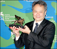 """Ang Lee, laureat OF Lion d'Or, film """"Lust, caution"""" @ 2007 Venise Film Festival"""