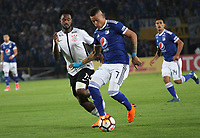 BOGOTÁ -COLOMBIA, 28-02-2018: Ayron del Valle (Der.) de Millonarios de Colombia disputa el balón con Rene Junior (Izq.) de  Corinthias de Brasil  durante partido por La Copa Conmebol Libertadores 2018 , grupo 7  ,jugado en el estadio Nemesio Camacho El Campín de la ciudad de Bogotá./ Ayron del Valle(R) of Millonarios  of Colombia disputes the ball with Rene Junior L) of Corinthias of Brazil during match  by the Conmebol Libertadores Cup 2018, group 7, played in Nemesio Camacho El Campín stadium of the Bogota  city. Photo: VizzorImage/ Felipe Caicedo / Staff