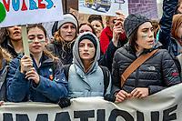 Plus de 150 000 étudiants québécois sont en grève vendredi pour demander aux gouvernements d'agir dans le cadre de<br /> marche Debout pour le climat, le 15 mars 2019, a Montreal.<br /> <br /> Près d'un millier d'événements étaient organisés dans une centaine de pays, dans le cadre de l'appel baptisé «Rise for climate» («Debout pour le climat»).<br /> <br /> PHOTO : Agence Quebec Presse - Jerome Archer
