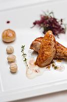 Amérique/Amérique du Nord/Canada/Québec/ Québec: Poitrine de faisan rôtie, recette d'Yvan Lebrun. Restaurant Initiale