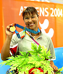 Chantal Petitclerc with the gold.<br /> (Benoit Pelosse photographe)