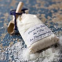 Europe/France/Pays de la Loire/85/Vendée/Ile de Noirmoutier: Fleur de sel de l'Ile de Noirmoutier - Stylisme : Valérie LHOMME