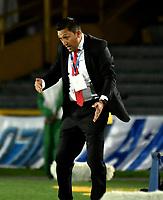 BOGOTA - COLOMBIA - 20 – 05 - 2017: Diego Corredor, técnico, de Patriotas F.C., durante partido de la fecha 19 entre Millonarios y Patriotas F.C., por la Liga Aguila I-2017, jugado en el estadio Nemesio Camacho El Campin de la ciudad de Bogota. / Diego Corredor, coach of Patriotas F.C., during a match of the date 19th between Millonarios and Patriotas F.C., for the Liga Aguila I-2017 played at the Nemesio Camacho El Campin Stadium in Bogota city, Photo: VizzorImage / Luis Ramirez / Staff.