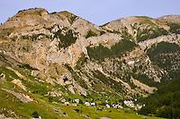 Hamlet of Vignols, seen from the GR5 walking track, sits beneath Mont Longon. Parc National du Mercantour. Alpes-Maritimes. Provence, France.