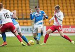 St Johnstone v Kilmarnock…15.10.16.. McDiarmid Park   SPFL<br />Murray Davidson tackles Martin Smith<br />Picture by Graeme Hart.<br />Copyright Perthshire Picture Agency<br />Tel: 01738 623350  Mobile: 07990 594431
