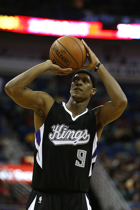 NEW ORLEANS, LA - MARCH 07:  Rajon Rondo #9 of the Sacramento Kings shoots the ball during a game at Smoothie King Center on March 7, 2016 in New Orleans, Louisiana. NOTE TO USER: User expressly acknowledges and agrees that, by downloading and or using this photograph, User is consenting to the terms and conditions of the Getty Images License Agreement.  (Photo by Jonathan Bachman/Getty Images)