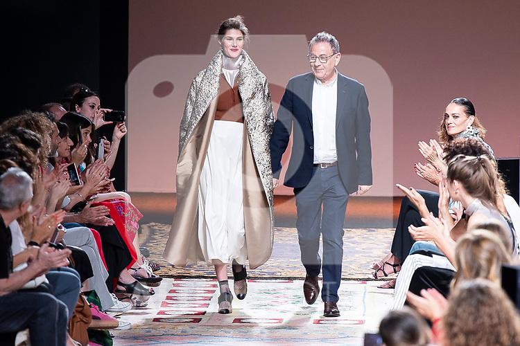 Spanish designer Roberto Verino aknowledges applause after 'Roberto Verino' catwalk during the Mercedes-Benz Madrid Fashion Week Spring/Summer in Madrid, Spain. July 09, 2018. (ALTERPHOTOS/Borja B.Hojas)