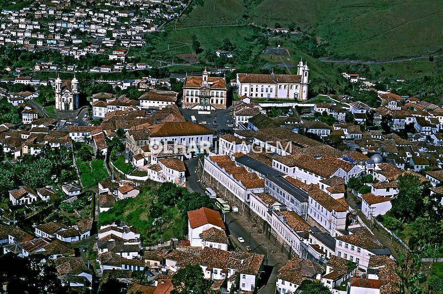 Cidade histórica de Ouro Preto. Minas Gerais. 2003. Foto de Ricardo Azoury.