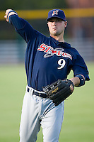Cole Gillespie (9) of the Huntsville Stars gets loose prior to the start of the game at the Baseball Grounds in Jacksonville, FL, Thursday June 12, 2008.