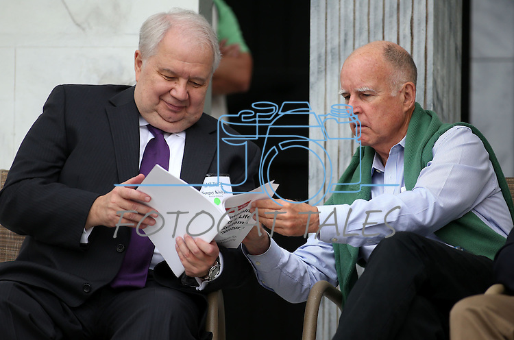 Russian Ambassador Sergey Kislyak, left, talks to California Gov. Jerry Brown during the 17th annual Lake Tahoe Summit conference at Sand Harbor, near Incline Village, Nev., on Monday, Aug. 19, 2013. <br /> Photo by Cathleen Allison