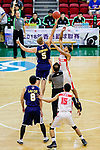 The opening tip between Hosford Ian Daniel #5 of Winling Basketball Club and Brim Marlowe Antwaun #25 of Nam Ching Basketball Team during the Hong Kong Basketball League game between Nam Ching vs Winling at Southorn Stadium on May 11, 2018 in Hong Kong. Photo by Yu Chun Christopher Wong / Power Sport Images