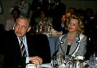 FILE -<br /> Jacques Parizeau et Lisette Lapointe , entre 1991 et 1995<br /> <br /> <br /> <br /> <br /> PHOTO  : Pierre Roussel - Agence Quebec Presse