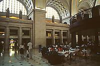 Washington D.C. : Union Station, Interior. Rehabbed 1988. Harry Weese & Assoc.; Benjamin Thompson Assoc.  Photo '91.