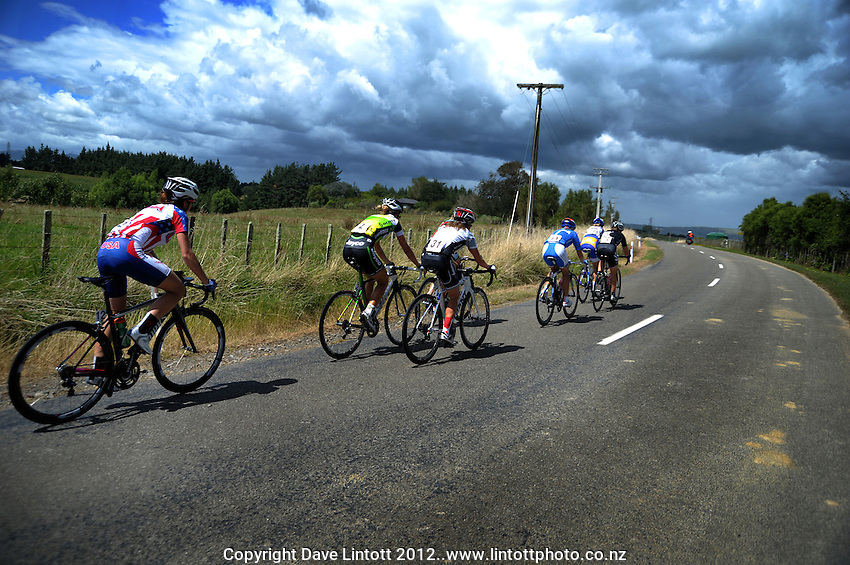 Riders in action during the NZCT Women's Cycle Tour of New Zealand Stage 4 at Palmerston North, New Zealand on Saturday, 25 February 2012. Photo: Dave Lintott / lintottphoto.co.nz