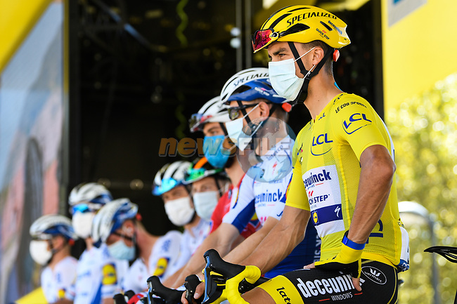 Yellow Jersey Julian Alaphilippe (FRA) and Deceuninck-Quick Step at sign on before the start of Stage 5 of Tour de France 2020, running 183km from Gap to Privas, France. 2nd September 2020.<br /> Picture: ASO/Alex Broadway | Cyclefile<br /> All photos usage must carry mandatory copyright credit (© Cyclefile | ASO/Alex Broadway)