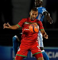 BOGOTA - COLOMBIA - 09 – 05 - 2017: Deiver Machado (Der.) jugador de Millonarios disputa el balón con Brayan Fernandez (Izq.) jugador de Cortulua, durante partido de la fecha 17 entre Millonarios y por la Liga Aguila I-2017, jugado en el estadio Nemesio Camacho El Campin de la ciudad de Bogota. / Deiver Machado (R) player of Millonarios vies for the ball with Brayan Fernandez (L) player of Cortulua, during a match of the date 17th between Millonarios and Cortulua, for the Liga Aguila I-2017 played at the Nemesio Camacho El Campin Stadium in Bogota city, Photo: VizzorImage / Luis Ramirez / Staff.