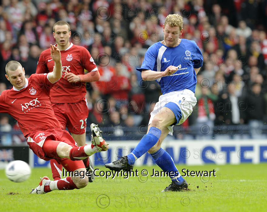 12/04/2008    Copyright Pic: James Stewart.File Name : sct_jspa13_qots_v_aberdeen.SEAN O'CONNOR SCORES THE THIRD FOR QUEEN OF THE SOUTH.James Stewart Photo Agency 19 Carronlea Drive, Falkirk. FK2 8DN      Vat Reg No. 607 6932 25.Studio      : +44 (0)1324 611191 .Mobile      : +44 (0)7721 416997.E-mail  :  jim@jspa.co.uk.If you require further information then contact Jim Stewart on any of the numbers above........