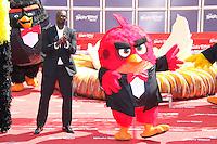 omar sy en photocall pour celebrer avec le film angry birds l ouverture du festival du film a cannes le mardi 10 mai 2016