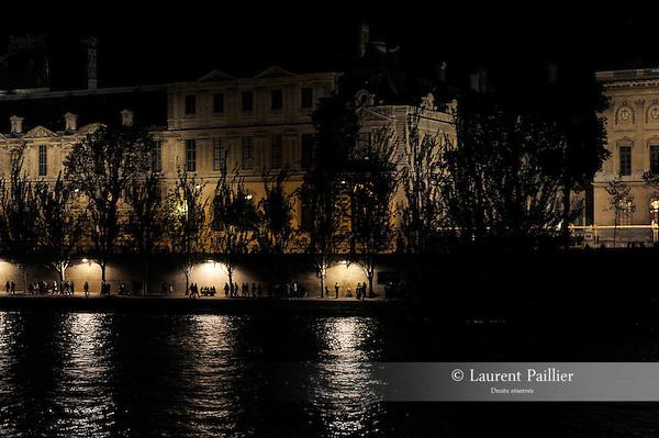 Nuit Blanche 2016 - Voies sur Berge<br /> <br /> Ambiance; Lieu : Quais de Seine, voies sur berge<br /> Ville : Paris<br /> Date : 01/10/2016<br /> © Laurent Paillier