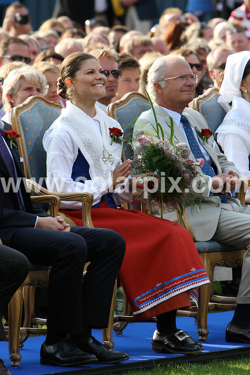 **ALL ROUND PICTURES FROM SOLARPIX.COM**.**SYNDICATION RIGHTS FOR UK AND SPAIN ONLY**.Crown Princess Victoria of Sweden celebrates her 32nd birthday with fiance Daniel Westling and parents Queen Silvia and King Carl Gustaf of Sweden at Solliden Palace on the island of Oeland, southern Sweden. 14 July 2009..This pic: Victoria of Sweden and Daniel Westling ..JOB REF: 9494 CPR (Kongsted) DATE: 14_07_2009.**MUST CREDIT SOLARPIX.COM OR DOUBLE FEE WILL BE CHARGED**.**ONLINE USAGE FEE GBP 50.00 PER PICTURE - NOTIFICATION OF USAGE TO PHOTO @ SOLARPIX.COM**.**CALL SOLARPIX : +34 952 811 768 or LOW RATE FROM UK 0844 617 7637**