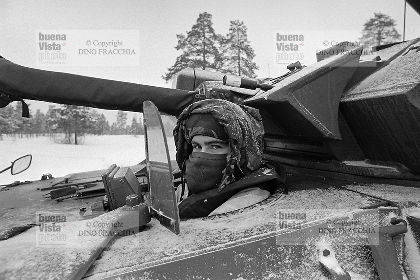 - NATO exercises AMF (Allied Mobil Force) in Norway, february 1986;  English light tank F 107 Scimitar <br /> <br /> - Esercitazioni NATO AMF (Allied Mobil Force) in Norvegia, febbraio 1986; carro armato leggero F 107 Scimitar inglese