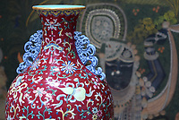 BNPS.co.uk (01202 558833)<br /> Pic: Hannam'sAuctioneers/BNPS<br /> <br /> Pictured: The Chinese vase.<br /> <br /> A Chinese vase a demolition worker received as payment for a job nearly 40 years ago has now sold for a whopping £550,000.<br /> <br /> The Qing famille rose vase had been given to the owner's late father, who ran a demolition company in south London in the 1980s.<br /> <br /> He kept it in his two-bed semi-detached house until he passed away.
