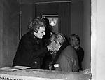 LUCHINO VISCONTI CON RINA MORELLI<br />  TEATRO ARGENTINA ROMA 1968