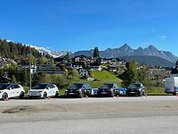 VW-Fahrzeuge am Trainingsplatz - Seefeld 28.05.2021: Trainingslager der Deutschen Nationalmannschaft zur EM-Vorbereitung