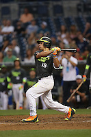 Nolan (Nonie) Williams (19) of the West team bats during the 2015 Perfect Game All-American Classic at Petco Park on August 16, 2015 in San Diego, California. The East squad defeated the West, 3-1. (Larry Goren/Four Seam Images)