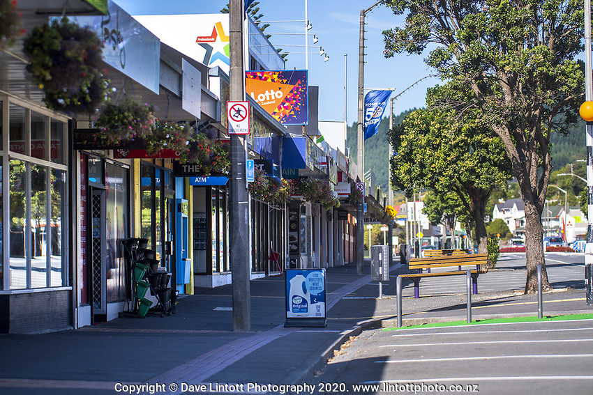 Tawa town centre at midday during lockdown for the COVID19 pandemic in Wellington, New Zealand on Wednesday, 15 April 2020. Photo: Dave Lintott / lintottphoto.co.nz