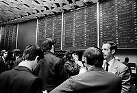 Le parquet de la Bourse de Montreal, <br /> Fevrier 1973<br /> Date exacte inconnue<br /> <br /> PHOTO : Agence Quebec Presse<br /> - Alain Renaud