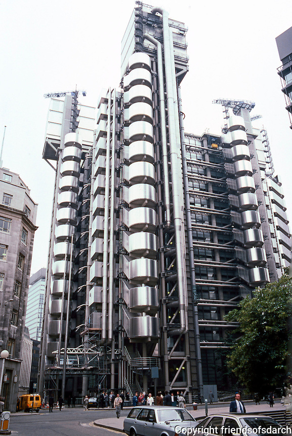 Richard Rodgers: London--Lloyd's, 1981-86. Replaces old Lloyd's building. Services on outside of building. 14 stories, 12 glass lifts. Cranes remain.