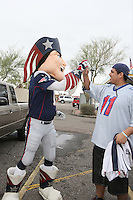 Maskottchen Pat the Patriot begrüßt die Fans - New England Patriots Fanclub Arizona Fan Rally in Phoenix