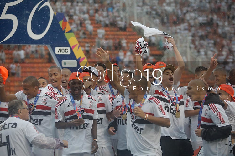 SÃO PAULO, SP 25.01.2019: SÃO PAULO-VASCO - Jogadores comemoram o campeonato. São Paulo e Vasco, em jogo válido pela final da Copa São Paulo de Futebol Júnior 2019, no estádio Pacaembu, zona oeste da capital. (Foto: Ale Frata/Codigo19)
