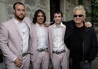 Luc Plamondon  et  groupe quebecois The Lost Fingers, juin 2009<br /> <br /> PHOTO :  Agence Quebec Presse
