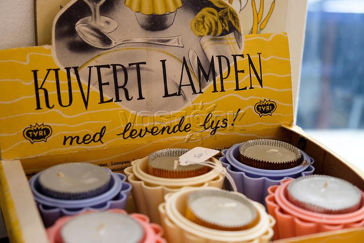 Shop und Cafe Retrolykke, 08/2014<br /> <br /> Engl.: Europe, Scandinavia, Norway, Oslo, Gruenerløkka, shop and cafe Retrolykke, gastronomy, interior view, candles, August 2014