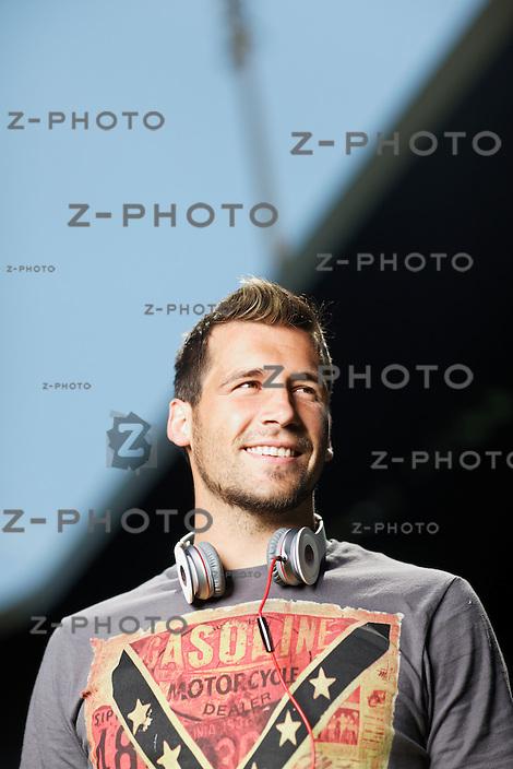 14. Mai 2012; Luzern; Fussball;  FC Luzern, Axpo Super League (Schweiz) Fotoshooting mit Michel Renggli, Mittelfeld - Spieler beim FC Luzern.© Zvonimir Pisonic / z-photo