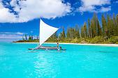 Pirogue à l'Ilot Brosse, Ile des Pins, Nouvelle-Calédonie