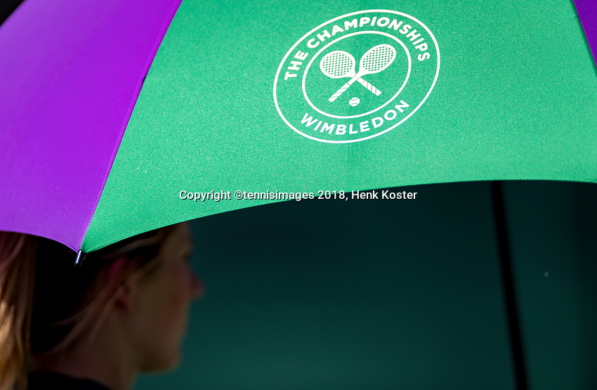 London, England, 3 th. July, 2018, Tennis,  Wimbledon, umbrella<br /> Photo: Henk Koster/tennisimages.com