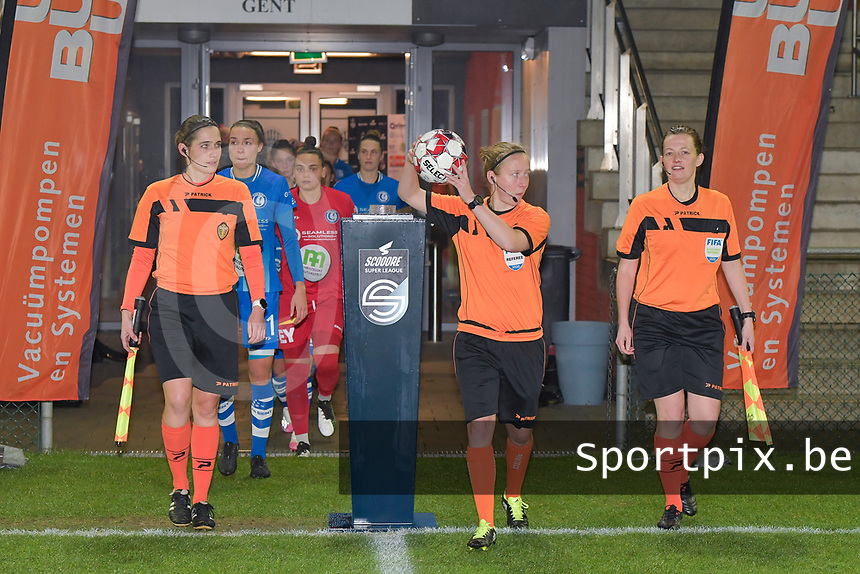 referee Lois Otte (M) with her assistant referees Joline Delcroix (R) and Caroline Lanssens (L) pictured during a female soccer game between  AA Gent Ladies and Oud Heverlee Leuven on the 9th matchday of the 2020 - 2021 season of Belgian Scooore Womens Super League , friday 11 th of December 2020  in Oostakker , Belgium . PHOTO SPORTPIX.BE | SPP | DIRK VUYLSTEKE