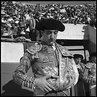 19 Septembre 1965. Vue de l'entrée du Torero Murillo dans les arènes de Toulouse.