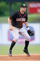 Third baseman Tyler Henson (4) of the Delmarva Shorebirds on defense versus the Kannapolis Intimidators at Fieldcrest Cannon Stadium in Kannapolis, NC, Wednesday, May 14, 2008.